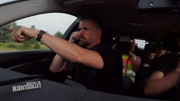 Achtung Kontrolle - Achtung Kontrolle! - Thema U. A.: Verfolgungsjagd Von Autoschmuggler - Bundespolizei Forst