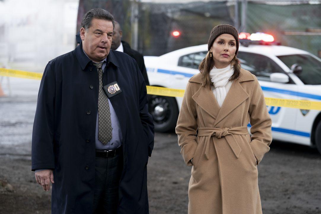 Anthony Abetamarco (Steven Schirripa, l.); Erin Reagan (Bridget Moynahan, r.) - Bildquelle: John Paul Filo 2020 CBS Broadcasting Inc. All Rights Reserved. / John Paul Filo