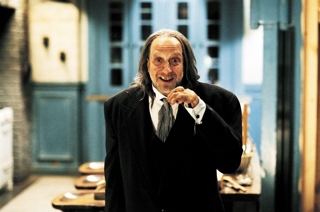 Dem undurchsichtige Butler Hanson (Chris Elliott) droht ein unfreiwilliges Schicksal: Er muss in die Fußstapfen von Hannibal Lecter treten ... - Bildquelle: Miramax Films