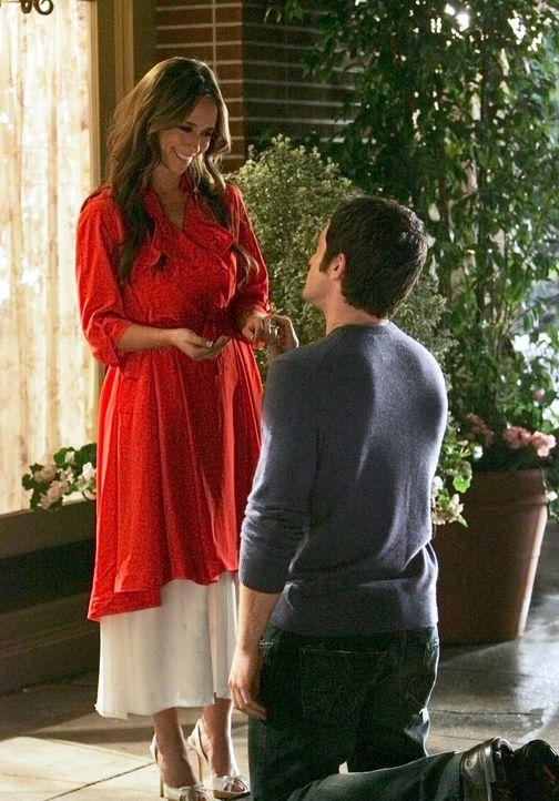 Die Eheringe von Melinda (Jennifer Love Hewitt, l.) und Jim (David Conrad, r.) waren spurlos verschwunden, als sie wieder auftauchen ist das Glück p... - Bildquelle: ABC Studios