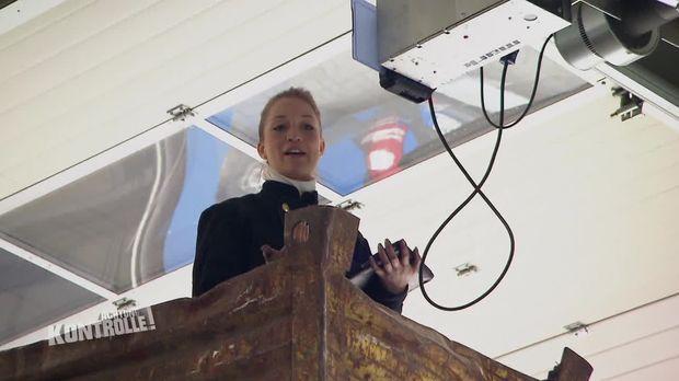 Achtung Kontrolle - Achtung Kontrolle! - Thema U.a.: Ein Feuerinferno - Schornsteinfegerin Aus Wipperfürth