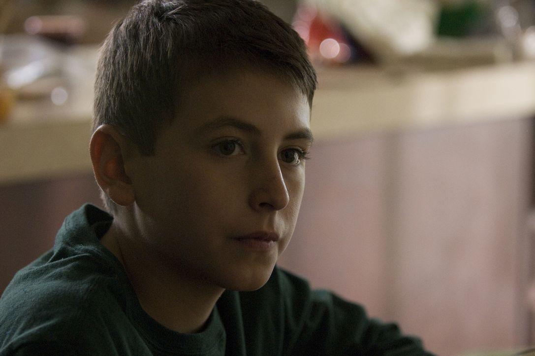 Das Leben mit seiner Mutter ist für Billy (Tony Ford) nicht sehr gesund ... - Bildquelle: USA Network