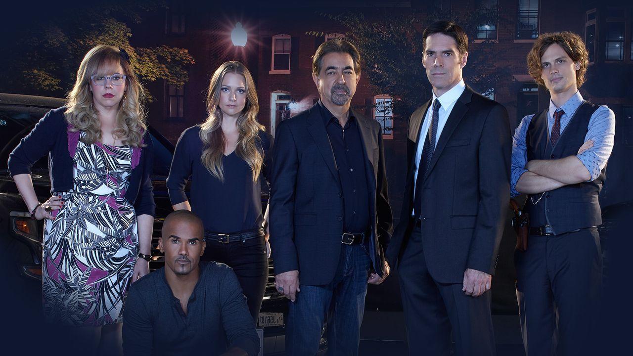 (11. Staffel) - Ein starkes Team, das jeden Serientäter zur Strecke bringt: Dr. Spencer Reid (Matthew Gray Gubler, r.), Derek Morgan (Shemar Moore,... - Bildquelle: ABC Studios