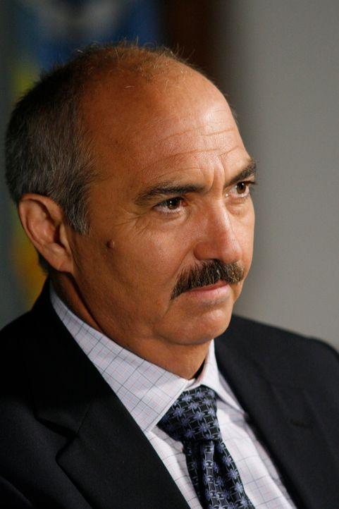 Wird mit einem äußerst komplizierten Fall konfrontiert: Devalos (Miguel Sandoval) - Bildquelle: Paramount Network Television