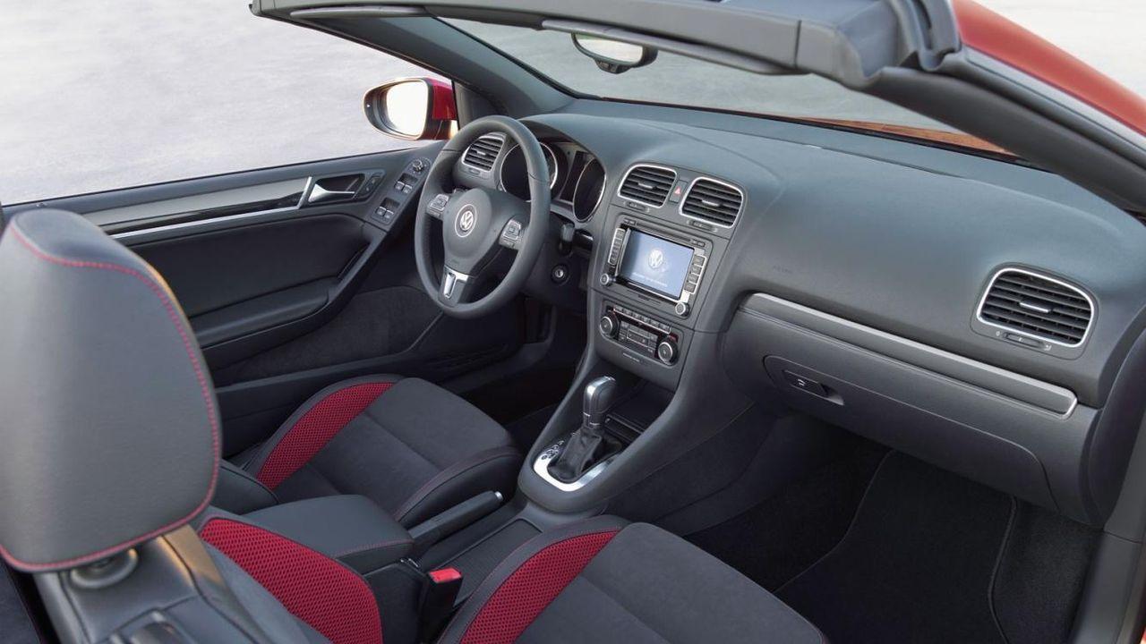 Cockpit des Golf Cabrios - Bildquelle: VW