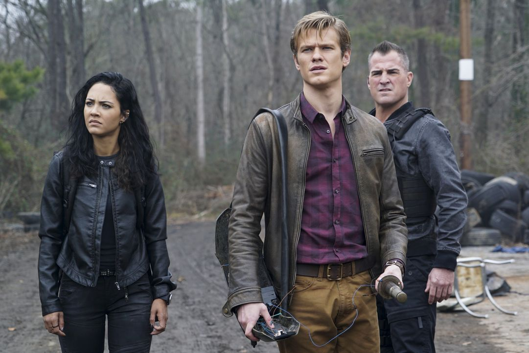 (v.l.n.r.) Riley Davis (Tristin Mays); Angus MacGyver (Lucas Till); Jack Dalton (George Eads) - Bildquelle: Annette Brown CBS © 2018 CBS Broadcasting, Inc. All Rights Reserved. / Annette Brown
