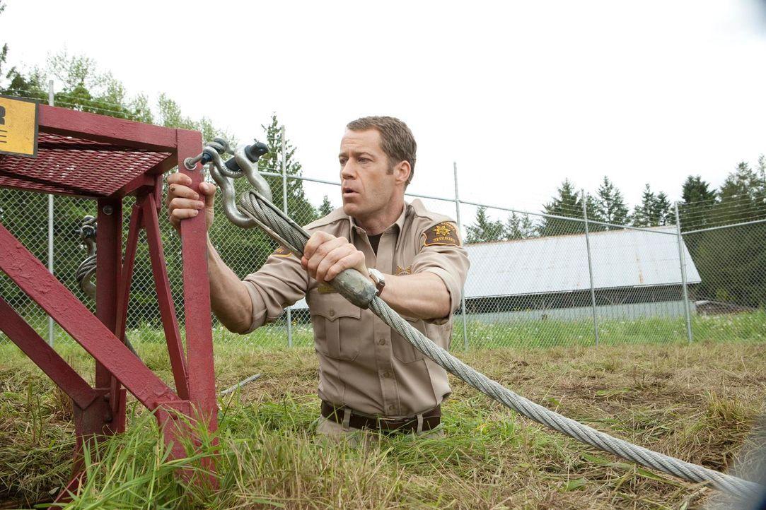 Versucht mit fragwürdigen Methoden Eureka vor einem Raketenangriff zu beschützen: Jack (Colin Ferguson) ... - Bildquelle: Universal Television