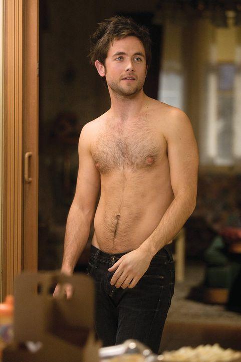 Fiona muss erst noch überzeugen, seine Freundin zu werden: Steve (Justin Chatwin) ... - Bildquelle: 2010 Warner Brothers