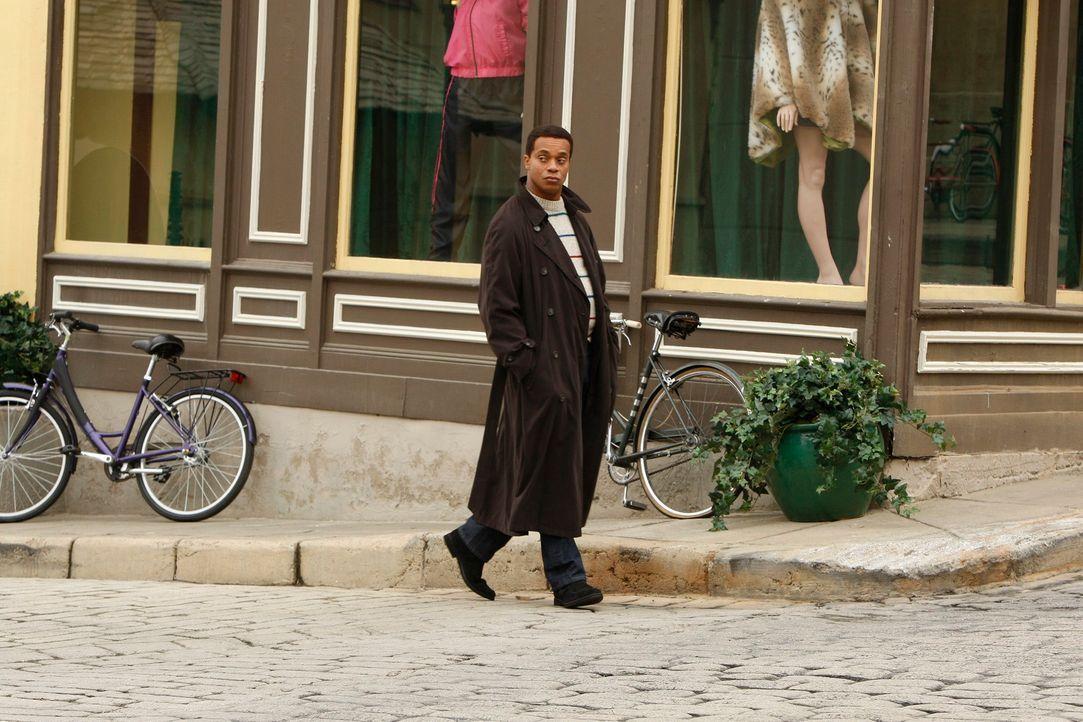 Rückblick: Leon Vance (Rocky Carroll) wurde vor 20 Jahren rekrutiert und ohne jegliche Erfahrung auf gefährliche Mission nach Amsterdam geschickt ..... - Bildquelle: CBS Television