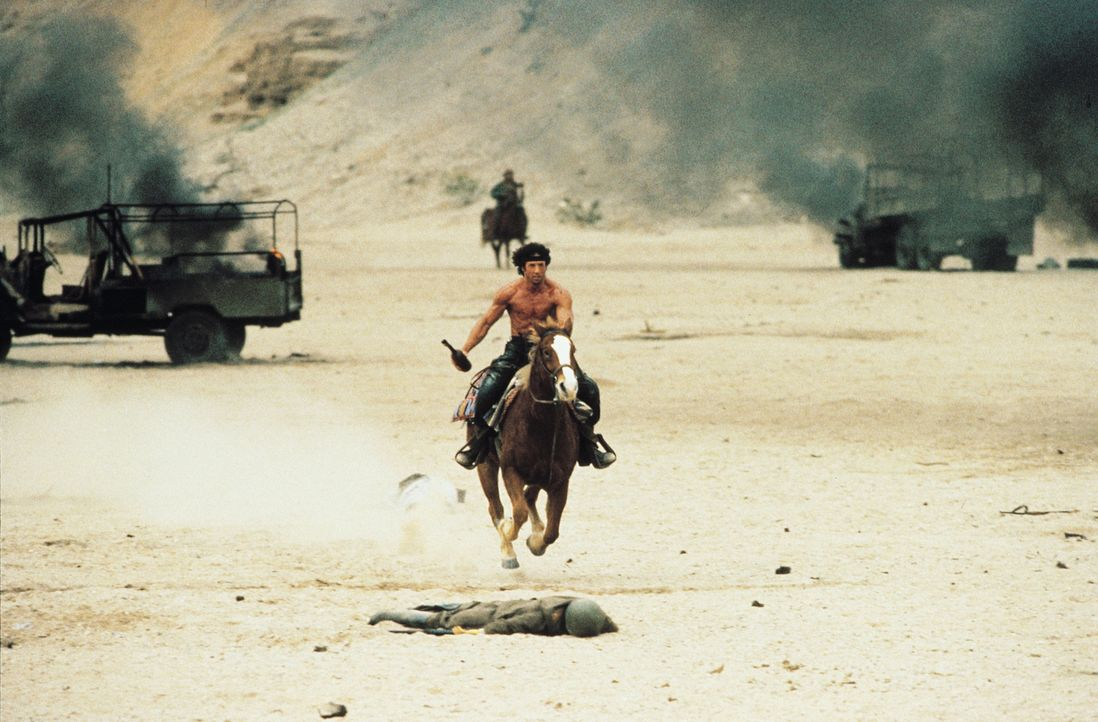 Kämpft, um seinen Freund aus russischer Gefangenschaft zu befreien: John Rambo (Sylvester Stallone) ... - Bildquelle: 1988 STUDIOCANAL. All Rights Reserved.