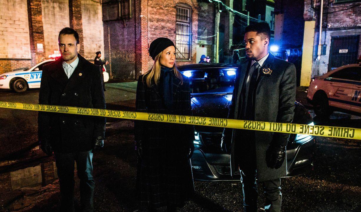 (v.l.n.r.) Sherlock Holmes (Jonny Lee Miller); Joan Watson (Lucy Liu); Detective Marcus Bell (Jon Michael Hill) - Bildquelle: Jeff Neira 2018 CBS Broadcasting, Inc. All Rights Reserved / Jeff Neira