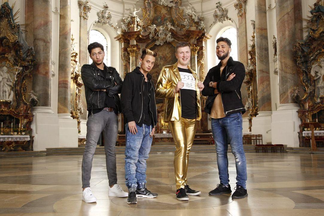 (v.l.n.r.) Adonis; Dennis; Jonny; Kenan - Bildquelle: Benedikt Müller kabel eins / Benedikt Müller