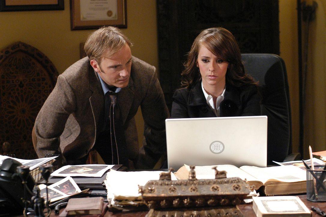 Professor Rick Payne (Jay Mohr, l.) hilft Melinda Gordon (Jennifer Love Hewitt, r.) die Probleme mit einem äußerst hartnäckigen Geist hat ... - Bildquelle: ABC Studios