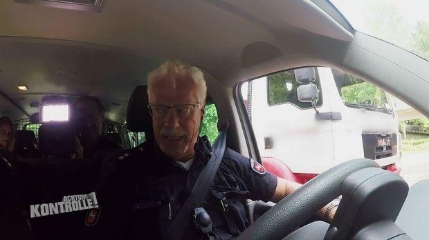 Achtung Kontrolle - Achtung Kontrolle! - Thema U.a.: Polizei Stoppt Gefährlichen Lkw-raser