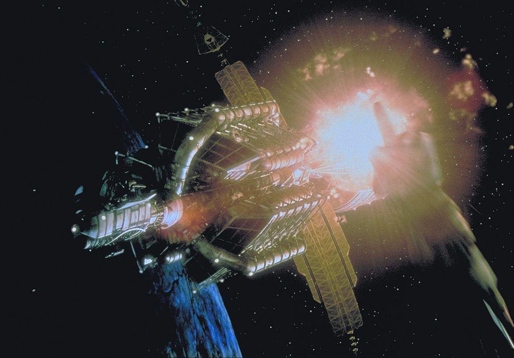 Irgendwo in den Weiten des Alls, zu Beginn des 22. Jahrhunderts: Das Sanitätsraumschiff Nightingale 229 erhält einen verzweifelten Notruf ... - Bildquelle: Metro-Goldwyn-Mayer