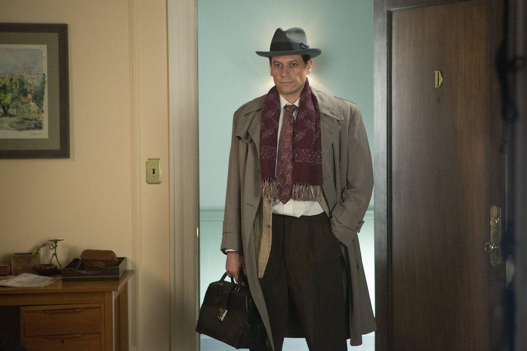 Immer wieder holt ihn die Vergangenheit ein: Henry (Ioan Gruffudd) ... - Bildquelle: Warner Brothers