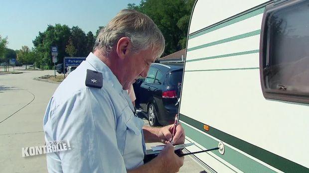 Achtung Kontrolle - Achtung Kontrolle! - Thema U.a.: Aufgebrachter Pole - Wohnmobilkontrolle Freiburg