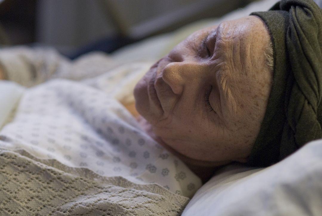 Gesteht ihrer Tochter erst auf dem Totenbett, wer ihr Vater ist: Daisy (Cate Blanchett) ... - Bildquelle: 2009   Warner Brothers
