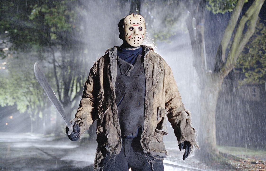 Metzelt sich durch die Elm Street: Jason Voorhees (Ken Kirzinger) ... - Bildquelle: Warner Bros. Pictures