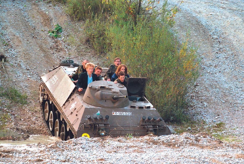 Ausgerechnet der Lieblingspanzer von Major Hauptmann geht den Weg alles Irdischen ... - Bildquelle: Constantin Film