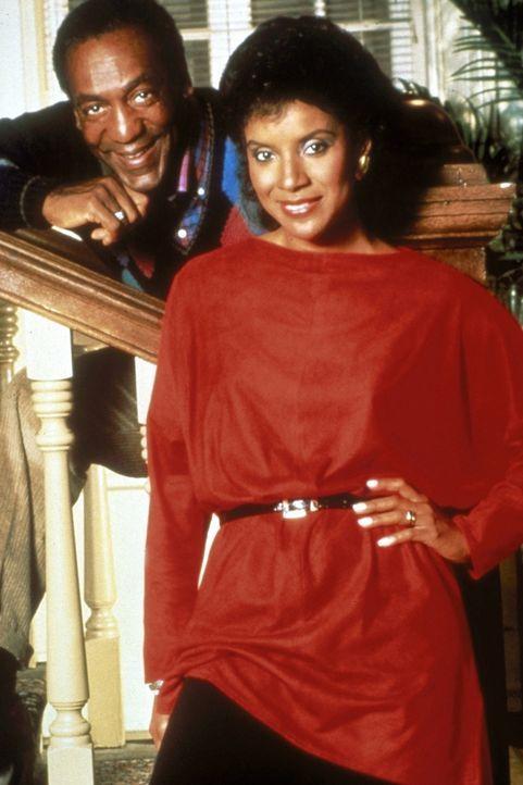 Frauenarzt Dr. Cliff Huxtable (Bill Cosby, l.) und Rechtsanwältin, Ehefrau und Mutter Clair Huxtable (Phylicia Rashad, r.) meistern die Familienpro... - Bildquelle: Viacom