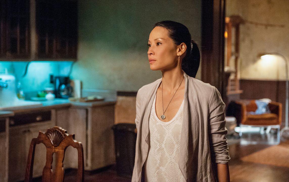 Hilft einer engen Freundin, einen Typen wiederzufinden, der sie vollkommen verzaubert hat: Joan Watson (Lucy Liu) ... - Bildquelle: CBS Television