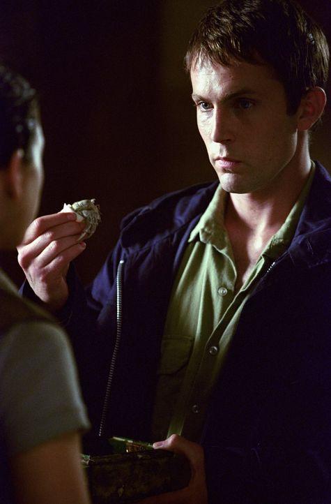 Jack Ferriman (Desmond Harrington) heuert Captain Murphys Team an, um ein scheinbar herrenloses Schiff zu bergen. Doch in der Beringsee erkennt die... - Bildquelle: Warner Brothers