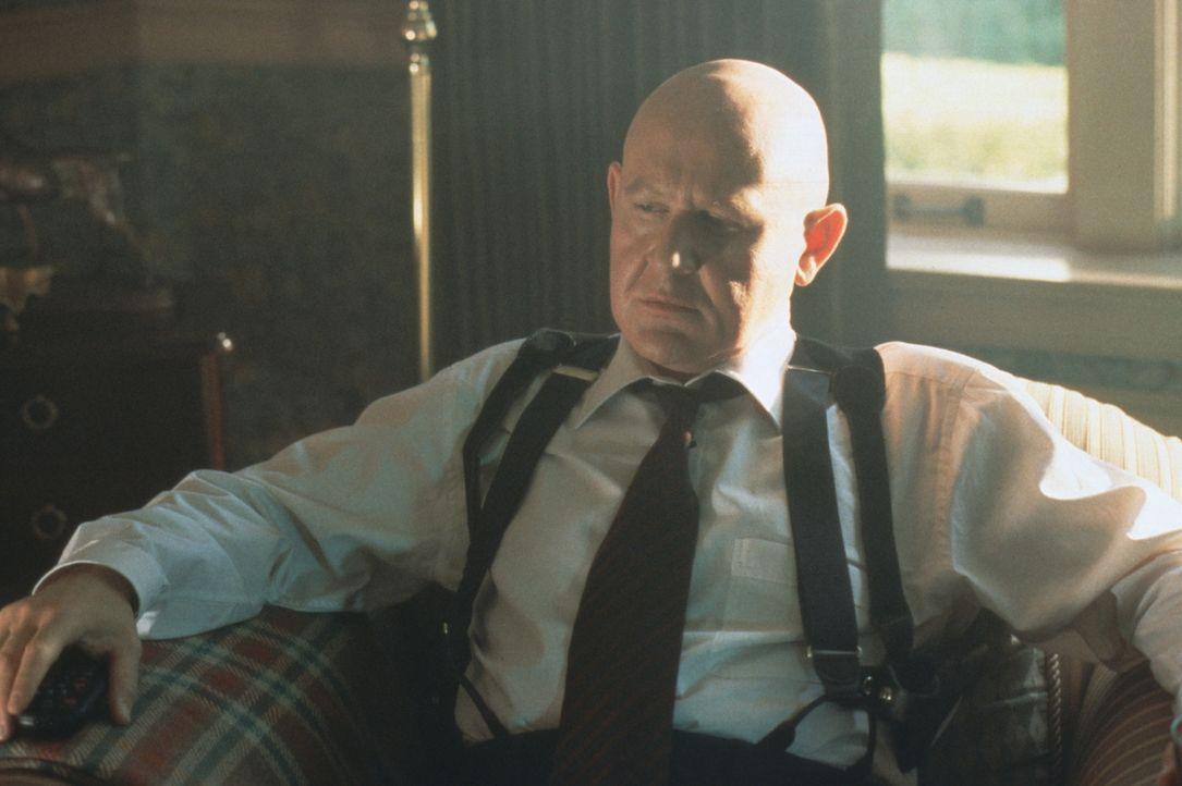 Der Sicherheitschef im Weißen Haus, Spikings (Daniel Benzali), will unbedingt verhindern, dass die Hintergründe des Mordes aufgedeckt werden ... - Bildquelle: Warner Bros.