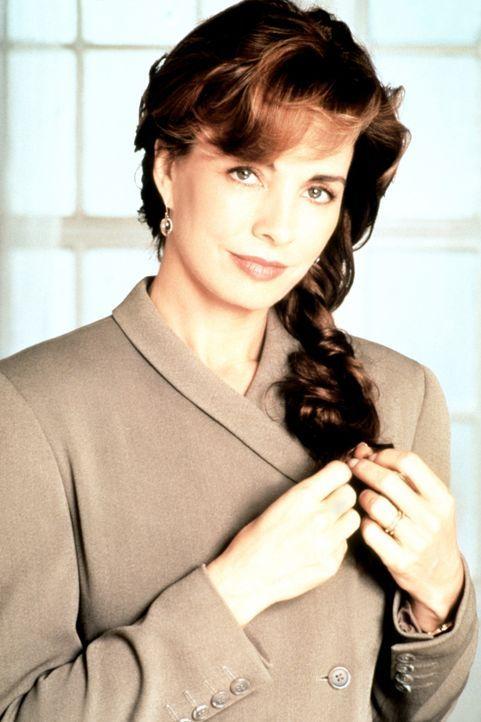 Die attraktive Cathy Ryan (Anne Archer) muss, nachdem ihr Mann, ein CIA-Agent, einen Anschlag auf das englische Königshaus abwendete, um ihr Leben... - Bildquelle: Paramount Pictures