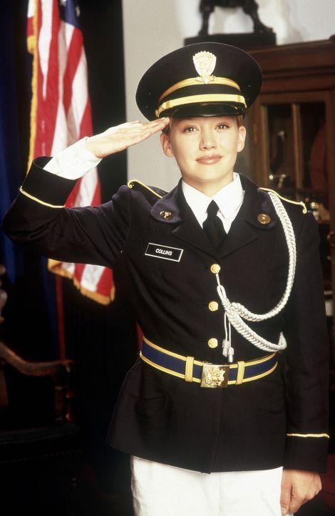 Obwohl Kelly (Hilary Duff) immer wieder von ihrer unbarmherzigen Ausbilderin schikaniert wird, gibt sie nicht auf ... - Bildquelle: Walt Disney Television