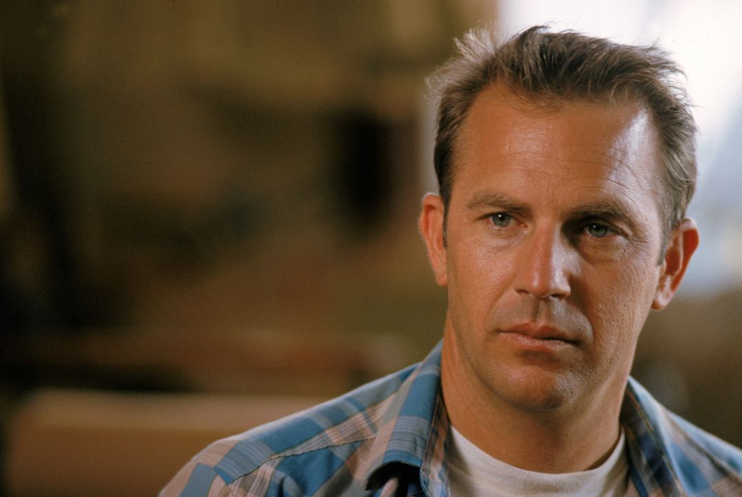 Entführt einen kleinen Jungen und entdeckt seine Vatergefühle: Butch Haynes (Kevin Costner) ... - Bildquelle: Warner Brothers International Television Distribution Inc.