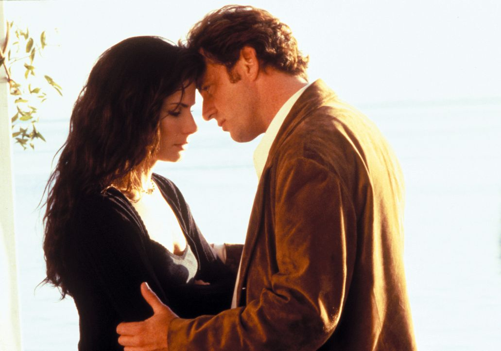 Hat ihre Liebe eine Chance? Gary Hallett (Aidan Quinn, r.) und Sally (Sandra Bullock, l.) ... - Bildquelle: Warner Brothers