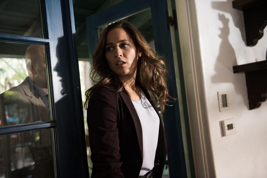 Jagt eine okkulte Frau, die behauptet, mit Magie ihren Ex-Mann ermordet zu haben: Villa (Jaina Lee Ortiz) ... - Bildquelle: 2016-2017 Fox and its related entities.  All rights reserved.