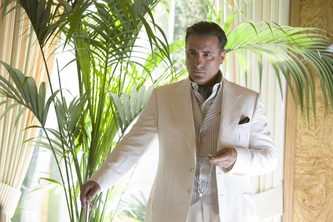 Der skrupellose Casinobesitzer Willy Bank (Al Pacino) verrechnet sich ganz gewaltig. Er kann einen einzigen von Danny Oceans Truppe ausschalten, abe... - Bildquelle: TM &   Warner Bros. All Rights Reserved