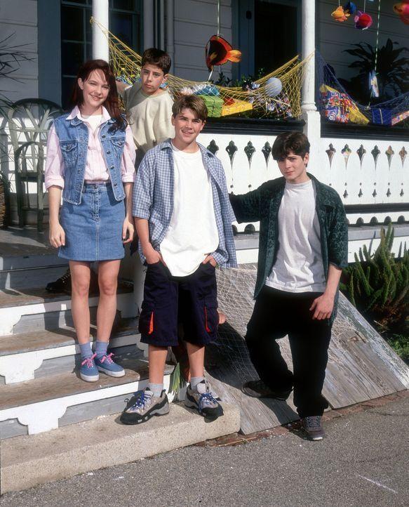 Bis zu seinem 13. Geburtstag ist Cody (Chez Starbuck, 2.v.r.) ein ganz normaler Junge. Doch dann finden außergewöhnliche Veränderungen in seinem... - Bildquelle: Disney