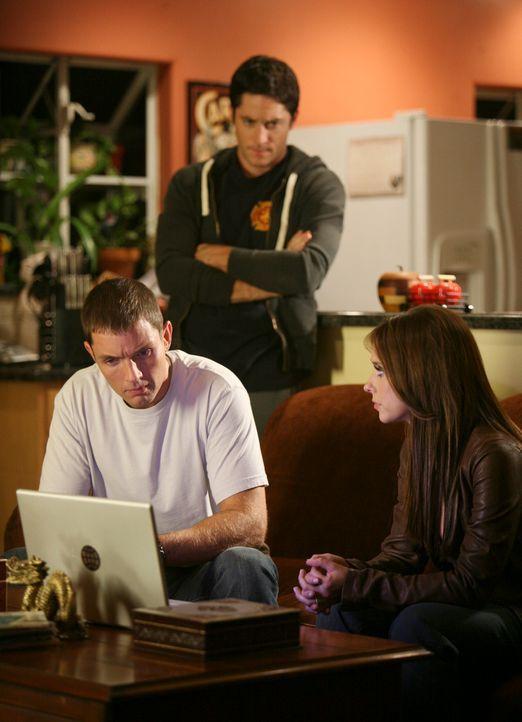 Matt (Matthew Marsden, l.) ist aus dem Irakkrieg zurückgekehrt, wo er viele Freunde verloren hat. Melinda (Jennifer Love Hewitt, r.) und Jim (David... - Bildquelle: ABC Studios