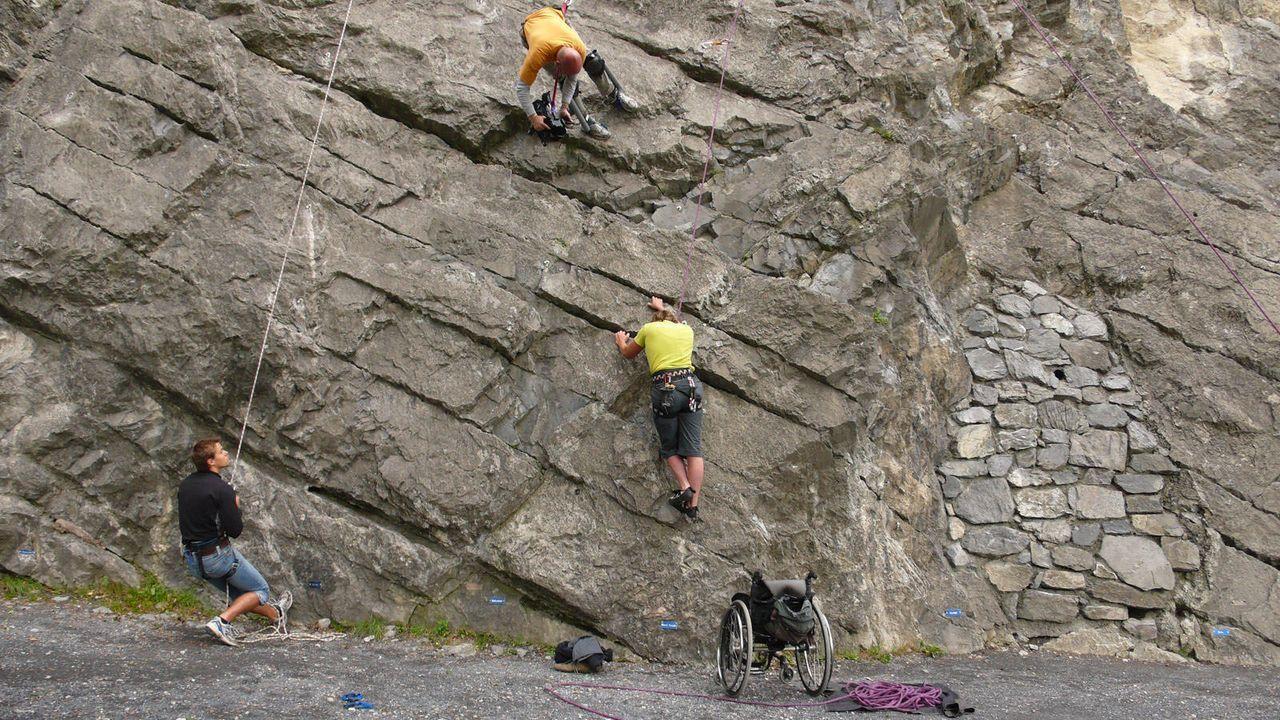 Mit Challenge beim Klettern - Bildquelle: kabel eins
