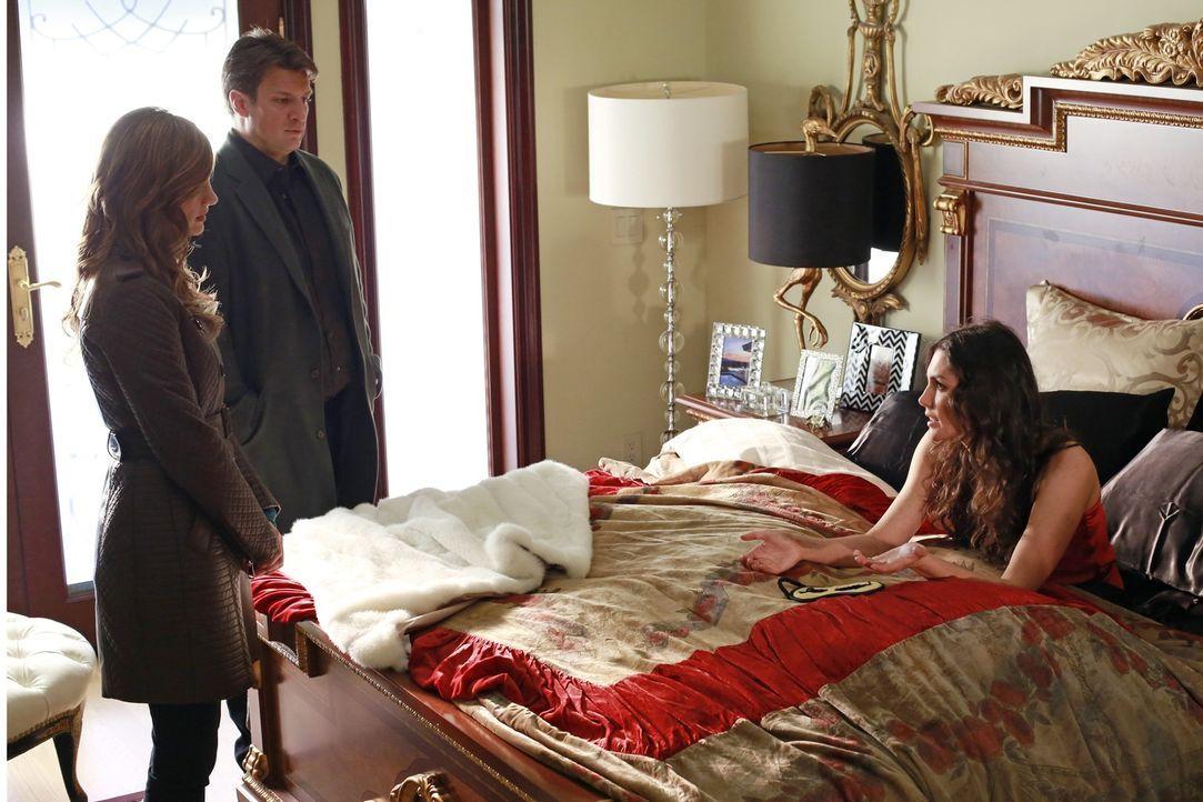 Hatte Regina Cane (Taylor Cole, r.) einen Grund, Holly zu töten? Castle (Nathan Fillion, M.) und Beckett (Stana Katic, l.) wollen das herausfinden .... - Bildquelle: 2012 American Broadcasting Companies, Inc. All rights reserved.