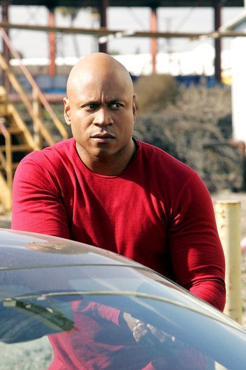 Als bei einem illegalen Straßenrennen einer der Wagen explodiert und der Fahrer ums Leben kommt, sind Sam (LL Cool J) und seine Kollegen gefragt ... - Bildquelle: CBS Studios Inc. All Rights Reserved.