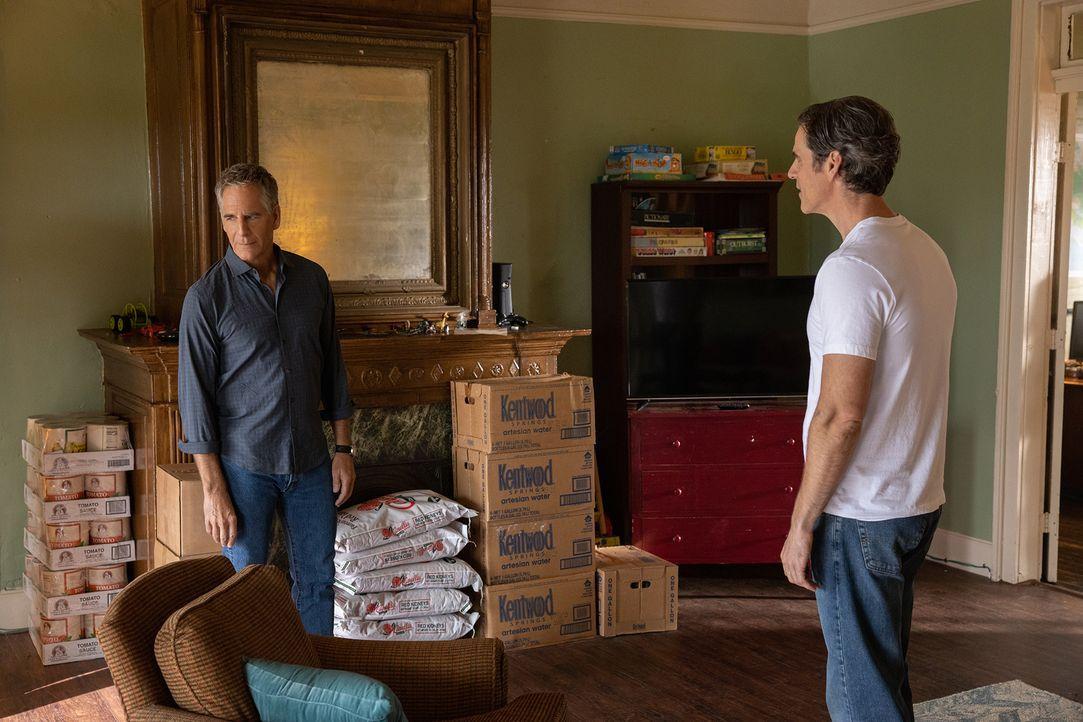 Dwayne Pride (Scott Bakula, l.); Eddie Barrett (Eddie Cahill, r.) - Bildquelle: Sam Lothridge 2019 CBS Broadcasting Inc. All Rights Reserved. / Sam Lothridge