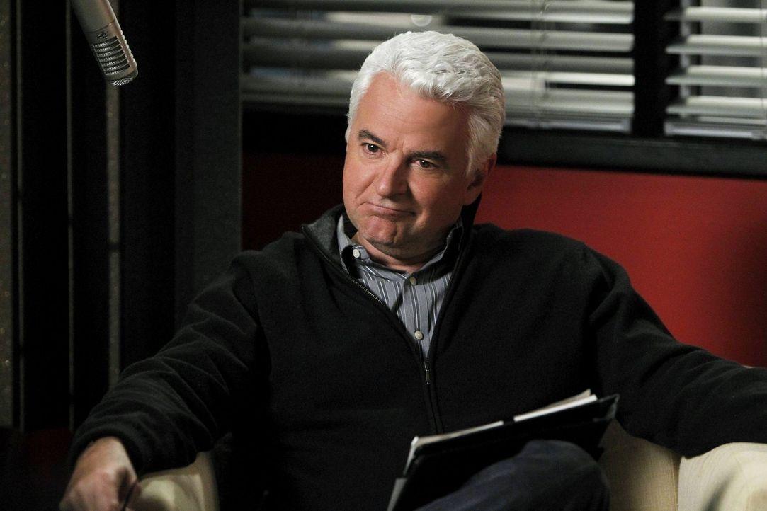 Hat Buddy Hennings (John O'Hurley) etwas mit dem Mord an Missy Roberts zu tun? - Bildquelle: Warner Bros. Television