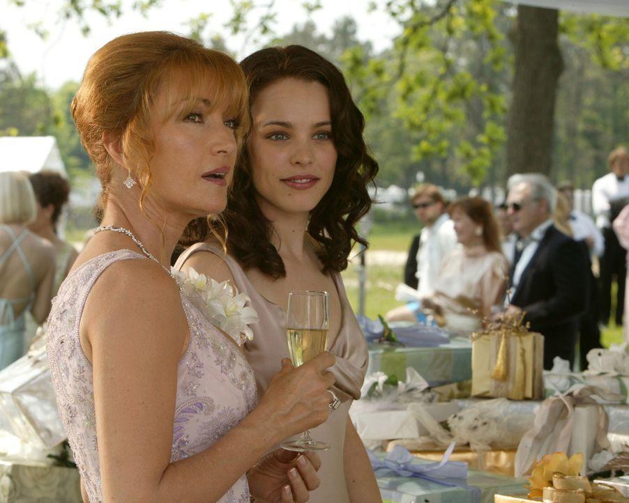 Der Empfang ist im vollen Gange, als Kathleen (Jane Seymour, l.) und Claire Cleary (Rachel McAdams, r.) plötzlich zwei völlig Fremde auf der Hochzei... - Bildquelle: Warner Bros. Television