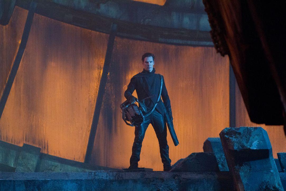 Noch ahnt die Crew der Enterprise nicht, dass der intelligente Bösewicht Khan (Benedict Cumberbatch) seine Leute in den 72 Torpedos versteckt hat, d... - Bildquelle: Zade Rosenthal 2013 Paramount Pictures.  All Rights Reserved. / Zade Rosenthal