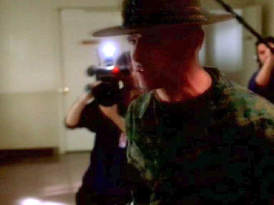 Im Ausbildungslager des Marinestützpunktes Quantico finden Dreharbeiten für eine Reality Show statt: Drei Supermodels sind die Stars der Produktio... - Bildquelle: CBS Television