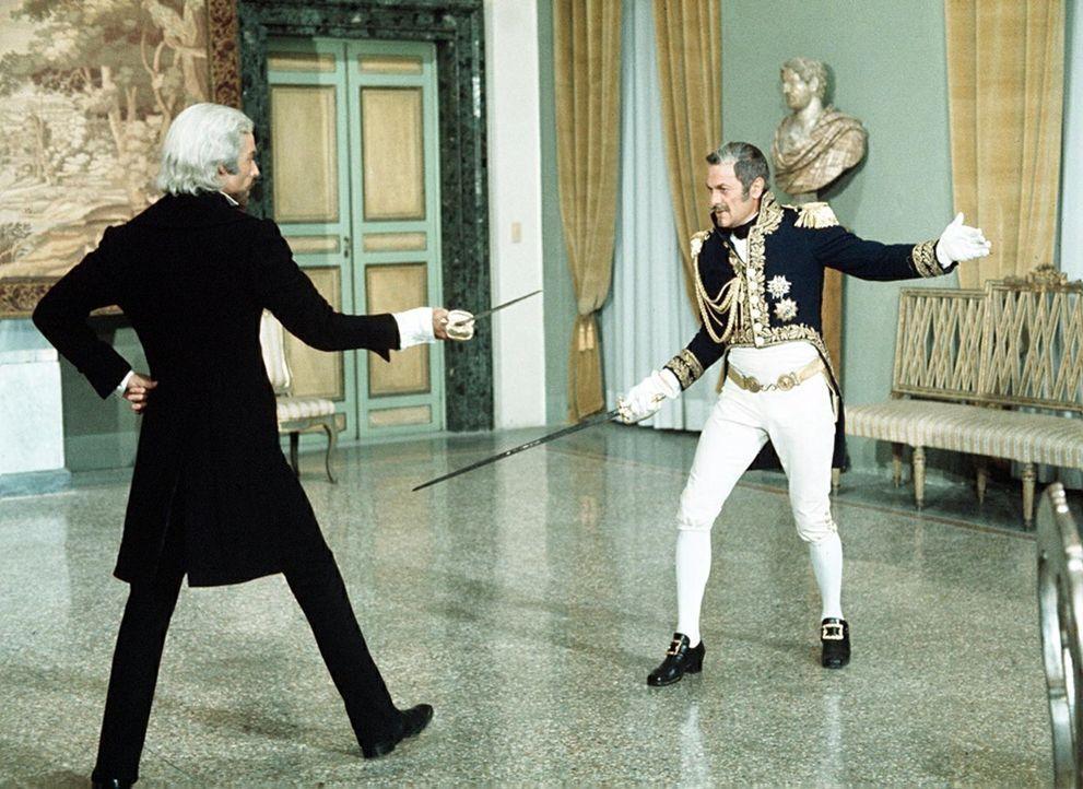Endlich kommt die Stunde der Rache: Der Graf von Monte Christo (Richard Chamberlain) bekommt seinen Erzfeind, den einstigen Nebenbuhler Mondego (Ton... - Bildquelle: National Broadcasting Company (NBC)