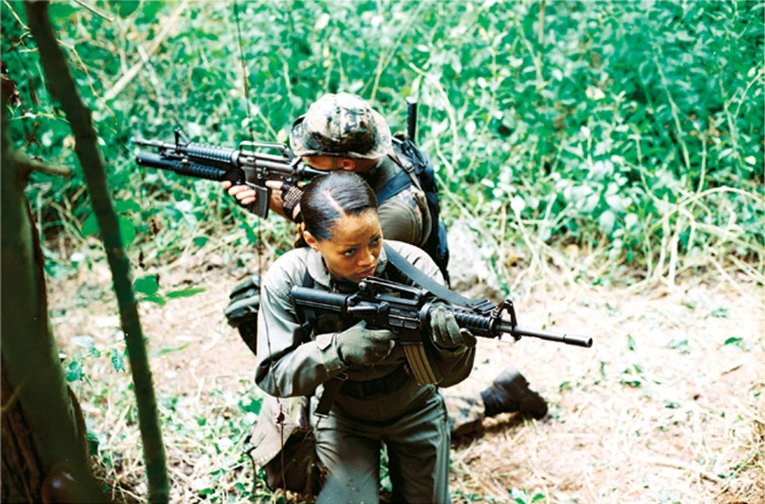 Muss verhindern, dass asiatische Terroristen einen drohenden Weltkrieg auslösen: Captain Amy Jennings(Theresa Randle) ... - Bildquelle: 2006 The Pacific Trust. All Rights Reserved.
