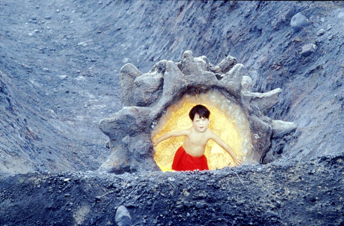 Clark Kent (Aaron Smolinski) - Bildquelle: DC Comics.   1978 Warner Bros. Entertainment Inc. All rights reserved.