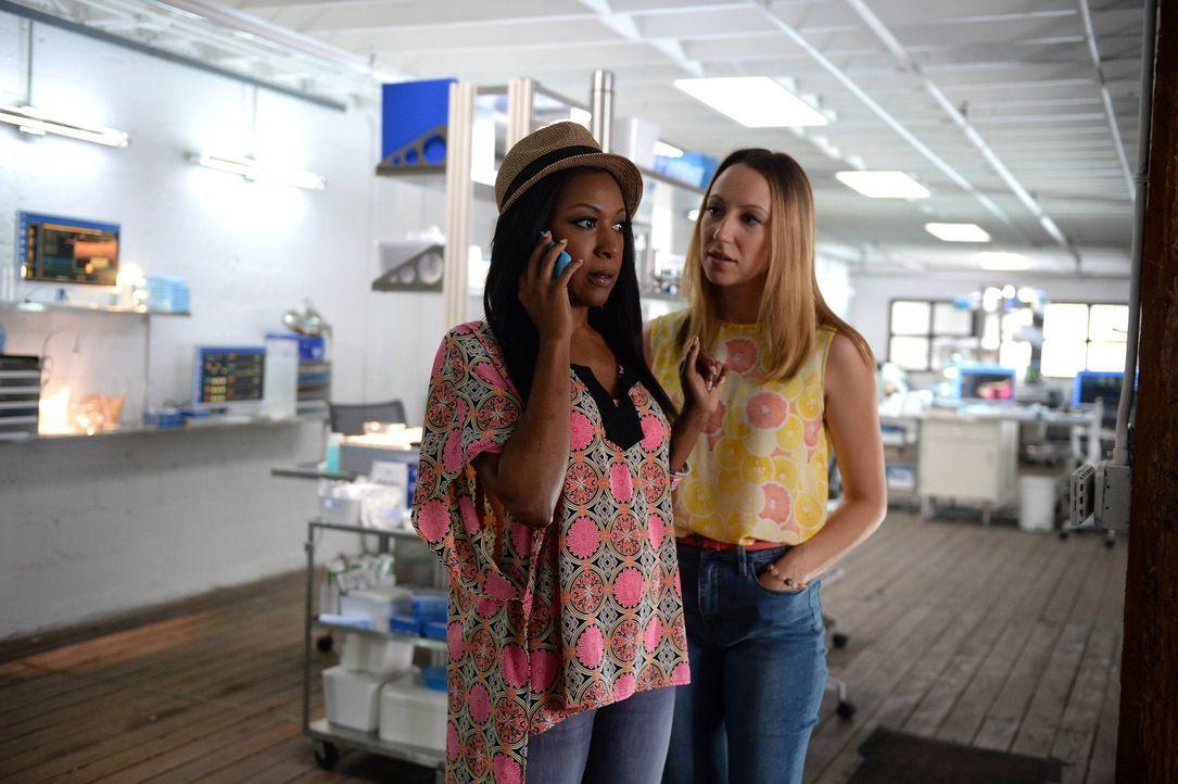 Pippy (Gabrielle Dennis, l.) und Tara (Anna Konkle, r.) wollen möglichst bald heiraten. Doch das ist gar nicht so einfach zu realisieren ... - Bildquelle: 2015-2016 Fox and its related entities.  All rights reserved.