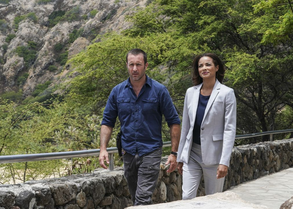Steve McGarrett (Alex O'Loughlin, l.); Greer (Rochelle Aytes, r.) - Bildquelle: Karen Neal 2018 CBS Broadcasting, Inc. All Rights Reserved. / Karen Neal