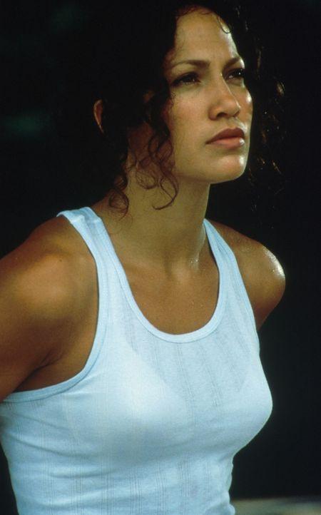 Eigentlich wollte Dokumentarfilmerin Terri Flores I(Jennifer Lopez) in den Tiefen des Amazonas-Regenwaldes nach einem bislang unentdeckten Indianers... - Bildquelle: Columbia TriStar
